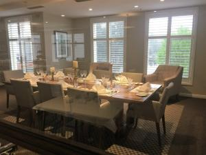 allity-templestowe-dining-setting