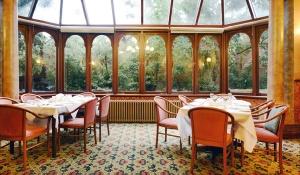 allity-brighton-montclaire-dining