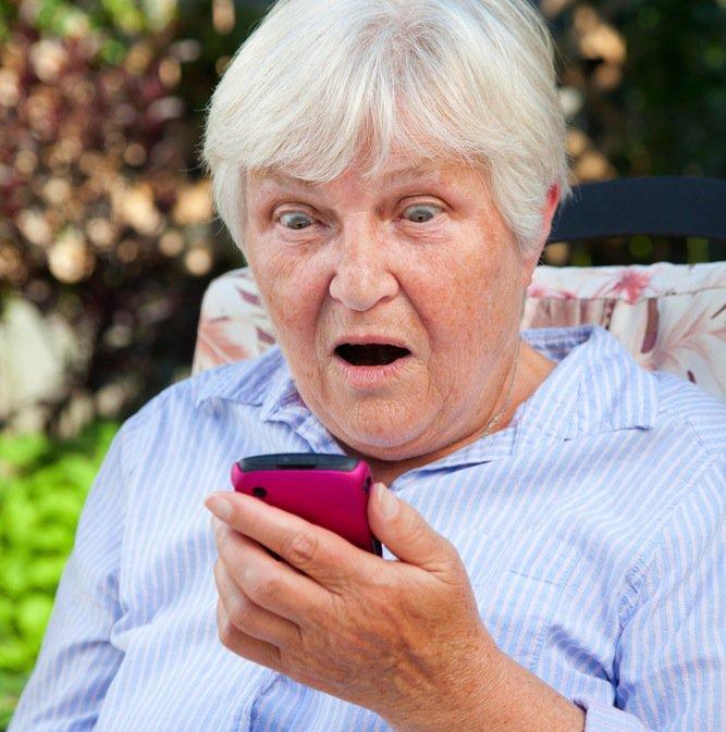 elderly-smartphone