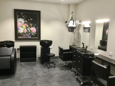 Bluecross Box Hill-hair salon